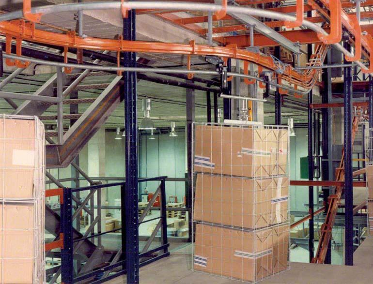 Transportvorrichtung für Kisten.