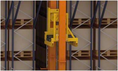 Automatisiertes Lager im Logistikzentrum von Kiwi Greensun in Portugal