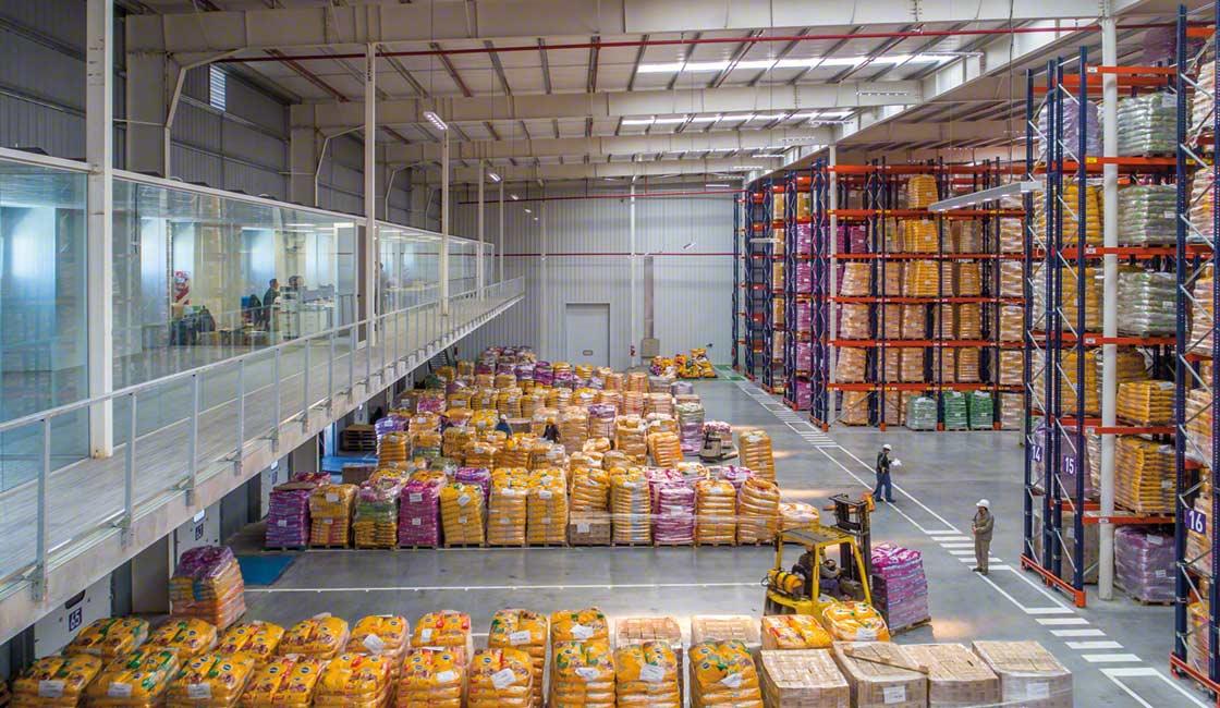 El cross-docking es un método de preparación de pedidos que aspira a minimizar el stock en almacén