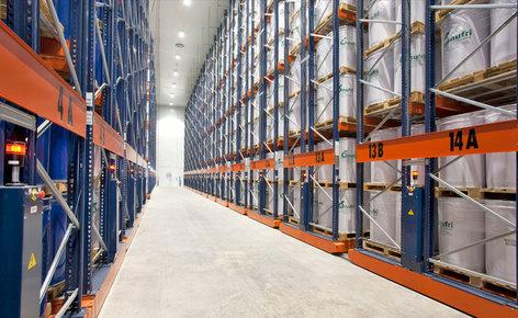 Movirackvon Mecalux, 11.000 Paletten mit speziellen Abmessungen auf 4.400 m² unterbringen